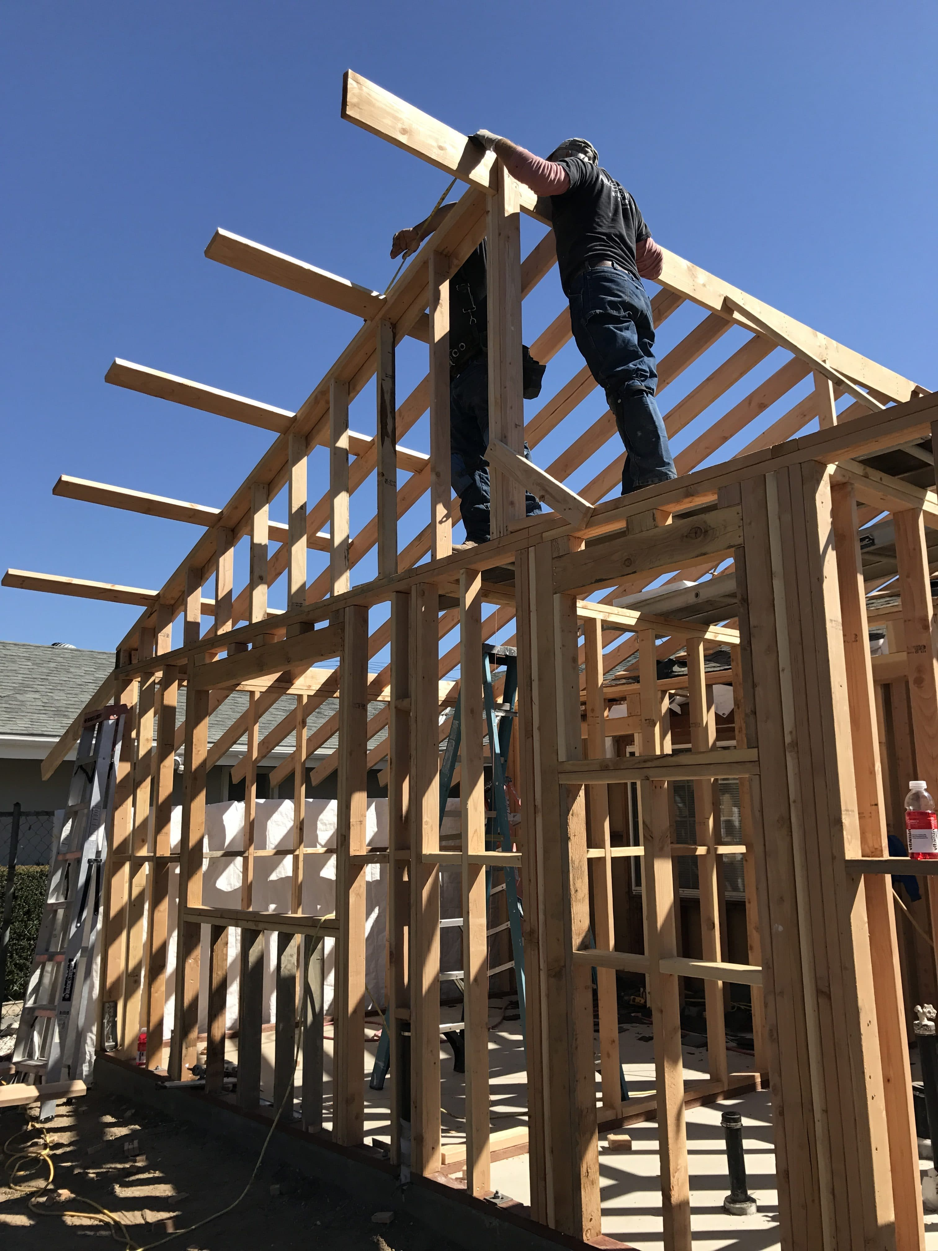 Local Contractor in woodland Hills